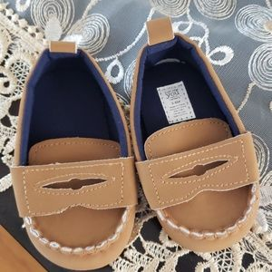 Carter's just one you 3-6months  loafers